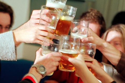 12192141-college-students-and-drunk-driving